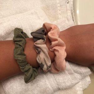 Francesa's scrunchie set